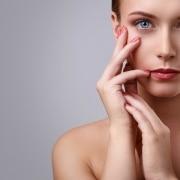 Sculptra conheça os benefícios do ácido polilático para a sua pele